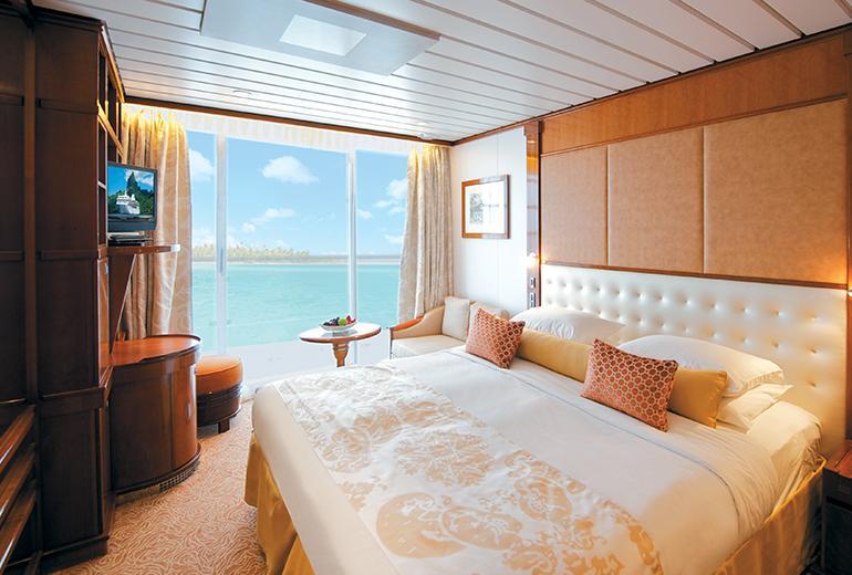 Tahiti Swinger Cruise Balcony